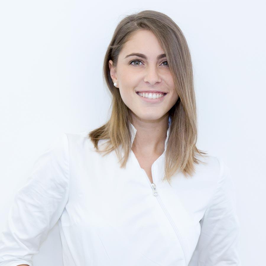 assunta-condotti | Dr Dental Studio dentistico a San Prisco | Dentista a San Prisco